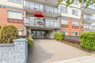 Photo 2: 202 22363 SELKIRK AVENUE in Maple Ridge: West Central Condo for sale : MLS®# R2195203
