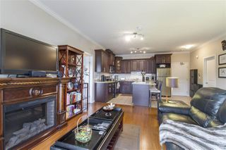 Photo 5: 202 22363 SELKIRK AVENUE in Maple Ridge: West Central Condo for sale : MLS®# R2195203