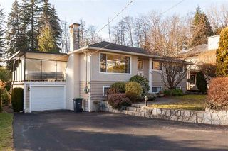 Photo 1: 799 Plymouth Drive in North Vancouver: Windsor Park NV House for sale : MLS®# R2364196