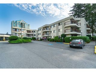 "Photo 1: 135 31955 OLD YALE Road in Abbotsford: Abbotsford West Condo for sale in ""EVERGREEN VILLAGE"" : MLS®# R2396453"