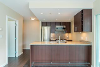 Photo 5: 567 108 W 1ST Avenue in Vancouver: False Creek Condo for sale (Vancouver West)  : MLS®# R2404596