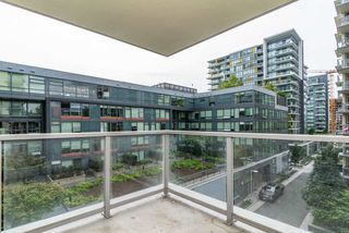 Photo 16: 567 108 W 1ST Avenue in Vancouver: False Creek Condo for sale (Vancouver West)  : MLS®# R2404596