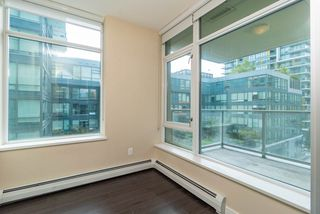 Photo 13: 567 108 W 1ST Avenue in Vancouver: False Creek Condo for sale (Vancouver West)  : MLS®# R2404596