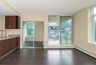 Photo 11: 567 108 W 1ST Avenue in Vancouver: False Creek Condo for sale (Vancouver West)  : MLS®# R2404596