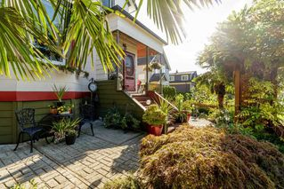 """Photo 20: 327 PINE Street in New Westminster: Queens Park House for sale in """"Queens Park"""" : MLS®# R2411440"""