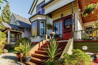 """Photo 3: 327 PINE Street in New Westminster: Queens Park House for sale in """"Queens Park"""" : MLS®# R2411440"""