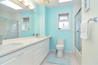 """Photo 7: 9018 207B Street in Langley: Walnut Grove House for sale in """"Greenwood Estates"""" : MLS®# R2413319"""