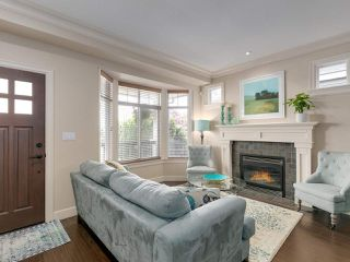 Photo 4: 1703 SEVENTH Avenue in New Westminster: West End NW House for sale : MLS®# R2471849