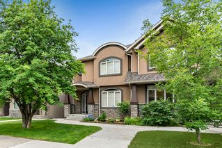 Photo 2: 2421 1 Avenue NW in Calgary: West Hillhurst Semi Detached for sale : MLS®# A1009605
