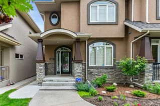 Photo 3: 2421 1 Avenue NW in Calgary: West Hillhurst Semi Detached for sale : MLS®# A1009605