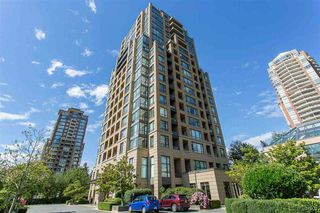 Main Photo: 303 7368 SANDBORNE Avenue in Burnaby: South Slope Condo for sale (Burnaby South)  : MLS®# R2475593