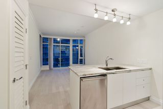 "Photo 9: 602 175 VICTORY SHIP Way in North Vancouver: Lower Lonsdale Condo for sale in ""CASCADE AT THE PIER"" : MLS®# R2498097"