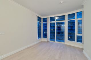 "Photo 15: 602 175 VICTORY SHIP Way in North Vancouver: Lower Lonsdale Condo for sale in ""CASCADE AT THE PIER"" : MLS®# R2498097"