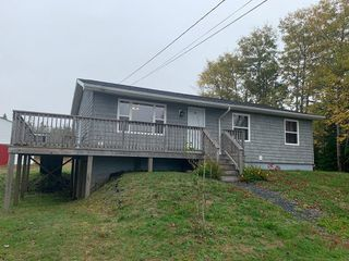 Photo 1: 2281 Sandy Point Road in Sandy Point: 407-Shelburne County Residential for sale (South Shore)  : MLS®# 202021960