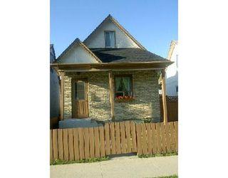 Photo 1: 827 BURROWS AV in WINNIPEG: Residential for sale (Canada)  : MLS®# 2912758