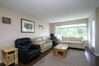 "Photo 3: 207 4950 MCGEER Street in Vancouver: Collingwood VE Condo for sale in ""Carleton"" (Vancouver East)  : MLS®# V974793"