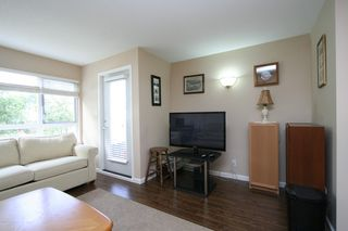 "Photo 4: 207 4950 MCGEER Street in Vancouver: Collingwood VE Condo for sale in ""Carleton"" (Vancouver East)  : MLS®# V974793"