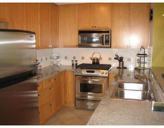 Photo 4: 204 4233 BAYVIEW Street in Richmond: Home for sale : MLS®# V672334
