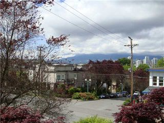 Photo 11: # 209 1082 W 8TH AV in Vancouver: Fairview VW Condo for sale (Vancouver West)  : MLS®# V1103764
