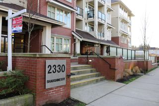 Photo 2: 404-2330 SHAUGHNESSY STREET in PORT COQUITLAM: Condo for sale (Port Coquitlam)  : MLS®#  V1123158