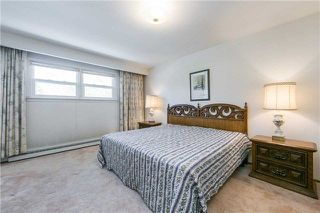 Photo 12: 63 Kentland Cres in Toronto: Bayview Woods-Steeles Freehold for sale (Toronto C15)  : MLS®# C4167375