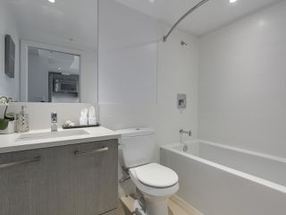 Photo 15: 803 955 E HASTINGS STREET in Vancouver: Hastings Condo for sale (Vancouver East)  : MLS®# R2317491