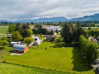 Photo 4: 5063 BOUNDARY Road in Abbotsford: Sumas Prairie House for sale : MLS®# R2392598