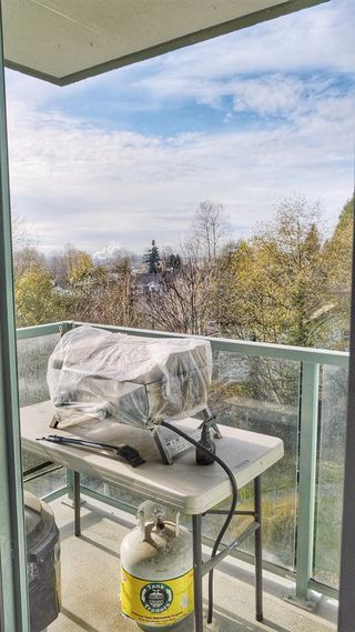 """Photo 10: 709 2733 CHANDLERY Place in Vancouver: South Marine Condo for sale in """"RIVER DANCE 1"""" (Vancouver East)  : MLS®# R2418512"""