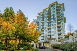 """Photo 3: 709 2733 CHANDLERY Place in Vancouver: South Marine Condo for sale in """"RIVER DANCE 1"""" (Vancouver East)  : MLS®# R2418512"""