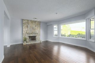 Photo 2: 10013 158A Street in Surrey: Guildford House for sale (North Surrey)  : MLS®# R2439183