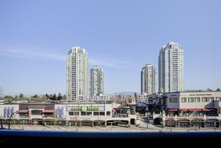 "Photo 15: 501 7225 ACORN Avenue in Burnaby: Highgate Condo for sale in ""AXIS"" (Burnaby South)  : MLS®# R2447099"