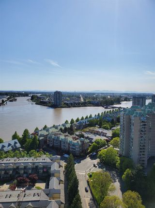 Photo 3: 2402 988 QUAYSIDE Drive in New Westminster: Quay Condo for sale : MLS®# R2454533