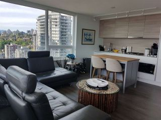 Photo 5: 2402 988 QUAYSIDE Drive in New Westminster: Quay Condo for sale : MLS®# R2454533