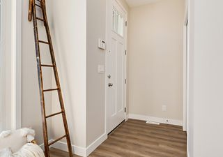 Photo 2: 6222 Hampton Gray Avenue NW in Edmonton: Zone 27 House for sale : MLS®# E4197716