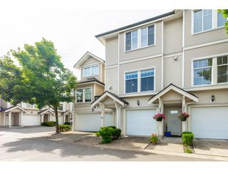 """Photo 2: 27 21535 88 Avenue in Langley: Walnut Grove Townhouse for sale in """"REDWOOD LANE"""" : MLS®# R2467866"""