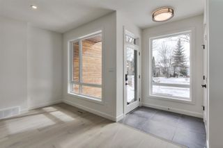 Photo 2: 9136 71 Avenue in Edmonton: Zone 17 House for sale : MLS®# E4203661