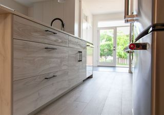 Photo 14: 9136 71 Avenue in Edmonton: Zone 17 House for sale : MLS®# E4203661