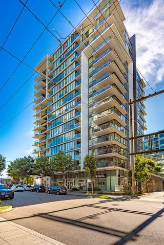 """Photo 1: 310 1783 MANITOBA Street in Vancouver: False Creek Condo for sale in """"THE RESIDENCES AT WEST"""" (Vancouver West)  : MLS®# R2488758"""