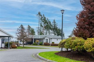 Photo 3: 396 Petroglyph Cres in : Na South Nanaimo Row/Townhouse for sale (Nanaimo)  : MLS®# 862172