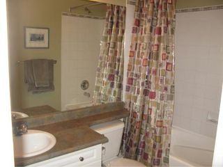Photo 6: Beautiful 3 BR Lakeview home!