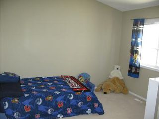 Photo 13: Beautiful 3 BR Lakeview home!