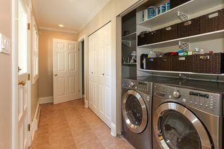 Photo 13: 952 50TH Street in Tsawwassen: Tsawwassen Central House for sale : MLS®# V950723