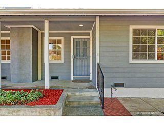Photo 2: VISTA House for sale : 3 bedrooms : 585 E Bobier Drive