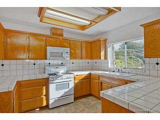 Photo 11: VISTA House for sale : 3 bedrooms : 585 E Bobier Drive