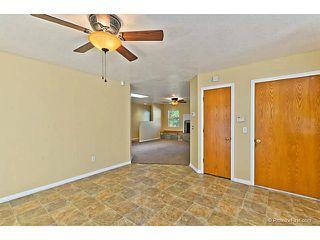 Photo 8: VISTA House for sale : 3 bedrooms : 585 E Bobier Drive
