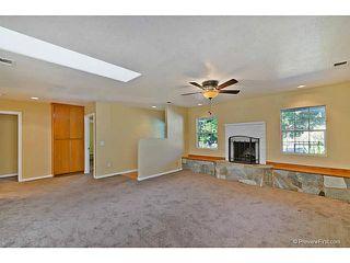 Photo 5: VISTA House for sale : 3 bedrooms : 585 E Bobier Drive