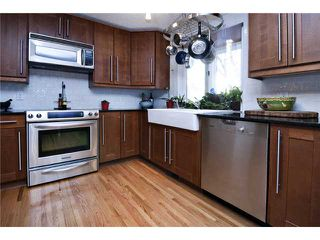 Photo 2: 6527 34 Street SW in CALGARY: Lakeview Residential Detached Single Family for sale (Calgary)  : MLS®# C3548821