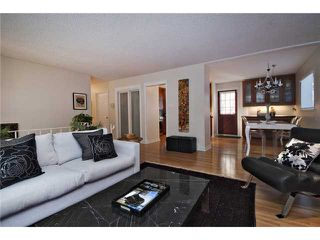 Photo 6: 6527 34 Street SW in CALGARY: Lakeview Residential Detached Single Family for sale (Calgary)  : MLS®# C3548821