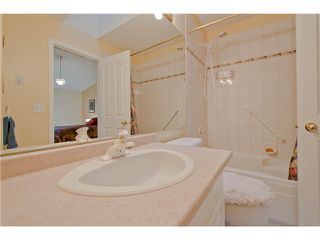 "Photo 8: # 812 8972 FLEETWOOD WY in Surrey: Fleetwood Tynehead Townhouse for sale in ""Park Ridge Gardens"" : MLS®# F1316936"