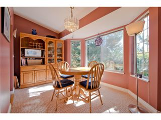 "Photo 4: # 812 8972 FLEETWOOD WY in Surrey: Fleetwood Tynehead Townhouse for sale in ""Park Ridge Gardens"" : MLS®# F1316936"